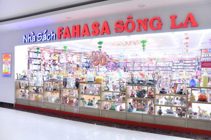 song-la-740x493